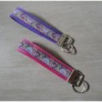 Schlüsselband auf pink - lila